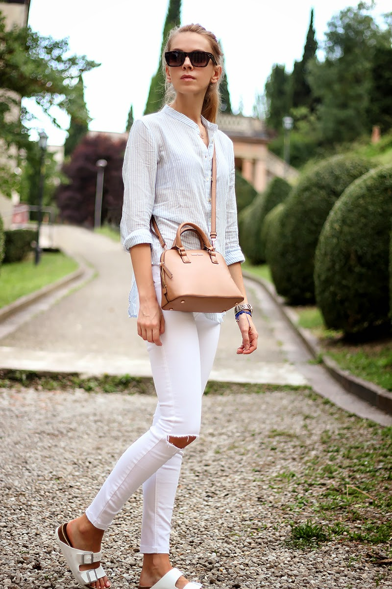 ripped-white-jeans-striped-shirt-birkenstock-6